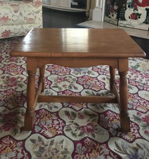 Sweet Wooden End/Side Table or Great Project Piece!