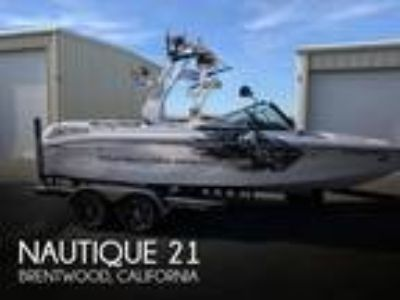Correct Craft - Super Air Nautique 210 Team Edition