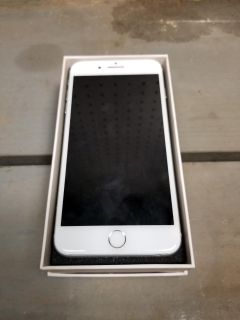 Carrier unlocked iphone 7 plus 32gb Silver