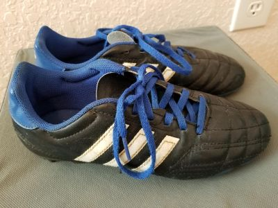 Youth 5 soccer cleats