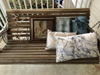 6 Piece Home Decor Set (Selling As Set Only)