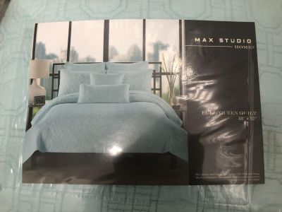 Queen Size Quilt and Shams - New