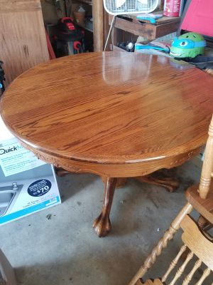 Round dining table solid wood
