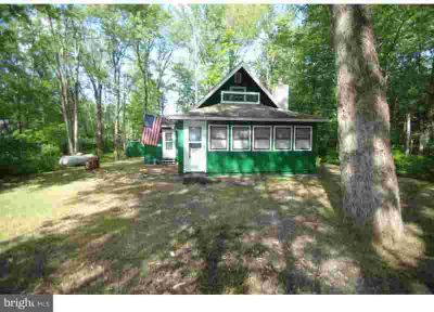 171 Mohican Trl Pocono Lake Three BR, Great chalet on private lot