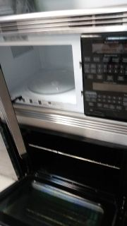 Wall oven and microwave . horno microondas y horno de pared. GE profile