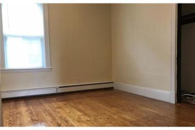 This rental is a Boston apartment Cheorkee. Parking Available!