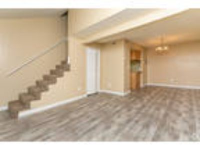Creekwood Club - Three BR / Two BA Townhome