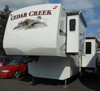 2008 Cedar Creek 5th Wheel Trailer w/Bunk House