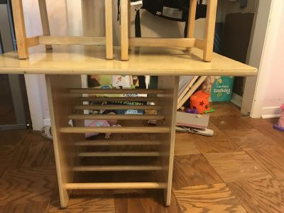 VGUC wood toddler table