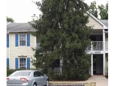 2 Bed 2 Bath Foreclosure Property in Eatontown, NJ 07724 - Beaumont Ct