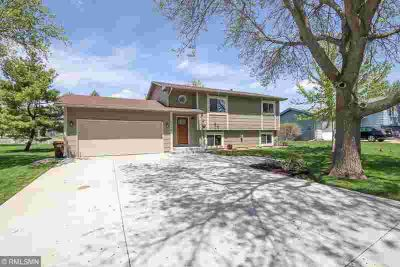 5808 137th Street W Savage Three BR, Immaculate home in a