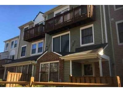 3 Bed 2.5 Bath Foreclosure Property in Woodbridge, VA 22192 - Chetham Way # 20
