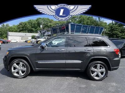 2011 Jeep Grand Cherokee Limited (Dark Charcoal Pearl)