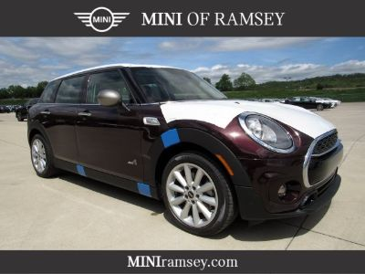 2019 MINI Clubman Cooper S (Pure Burgundy Metallic)