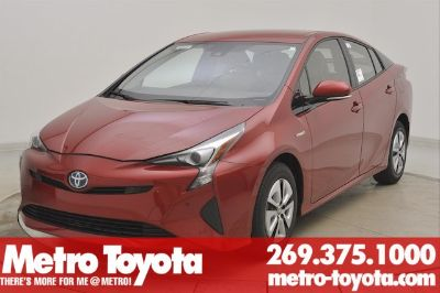 2018 Toyota Prius Three (Hypersonic_red)
