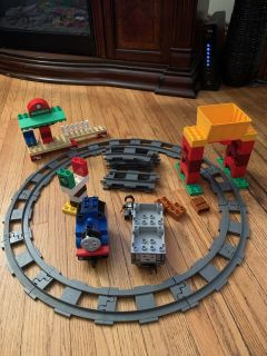 Thomas the train LEGO duplo set with tracks