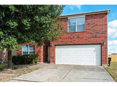 5 Bed 4 Bath Foreclosure Property in Humble, TX 77396 - Wooded Acres Dr