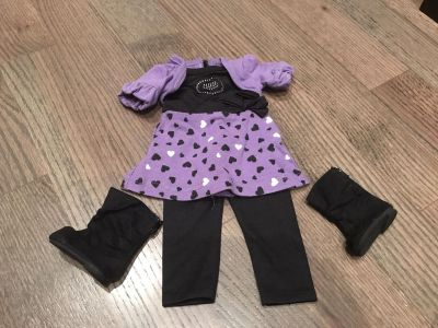 Doll outfit