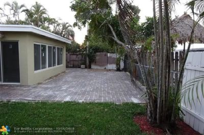 TOTAL AND EXQUISITELY REMODELLED 3 BEDROOMS AND 2 BATHS. CUSTOM KITCHEN WITH GRANITE COUNTERTOPS.