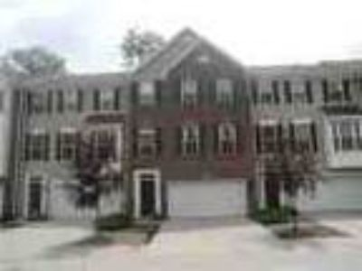 1275 Three BR Brick Townhouse W 2 Master Suites Northwest