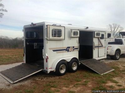 1998 4 Star 2 Horse trailer with Side Ramp