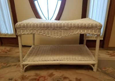 WICKER TABLE, 29 INCHES LENGTH, 18 WIDTH, 19 INCHES HIGH, EXCELLENT CONDITION, SMOKE FREE HOUSE