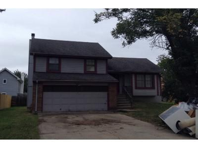 3 Bed 2 Bath Preforeclosure Property in Kansas City, MO 64134 - Lewis Ct