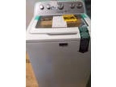 Maytag Bravos 4.3-cu ft High-Efficiency Top-Load Washer