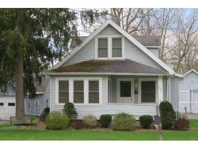 3 Bed 1 Bath Preforeclosure Property in Batavia, NY 14020 - Lewiston Rd