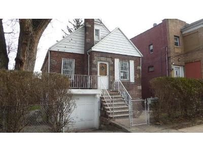2 Bed 2 Bath Foreclosure Property in Bronx, NY 10473 - Thieriot Ave