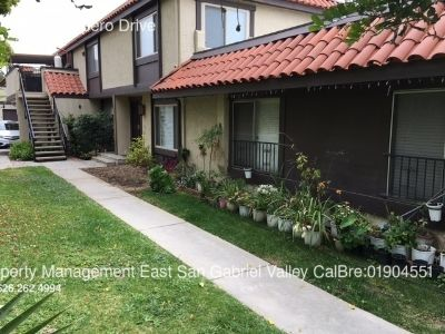 COMPLETELY REMODELED AND UPDATED 3 BEDROOM CONDO IN DUARTE
