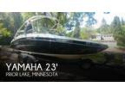 Yamaha - 242 Limited S