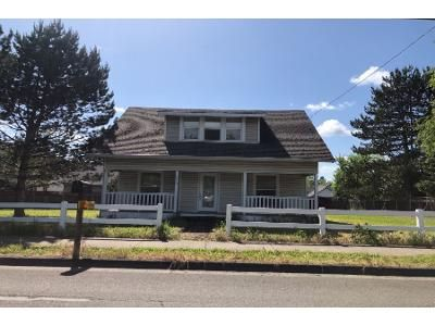 3 Bed 1 Bath Preforeclosure Property in Newberg, OR 97132 - N Main St