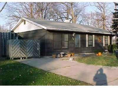 3 Bed 1.5 Bath Foreclosure Property in Michigan City, IN 46360 - Superior St