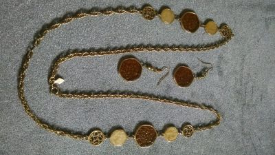 """Sarah Coventry's """"TASTE OF HONEY"""" Vintage Chain Necklace and Matching Dangle Earrings set"""