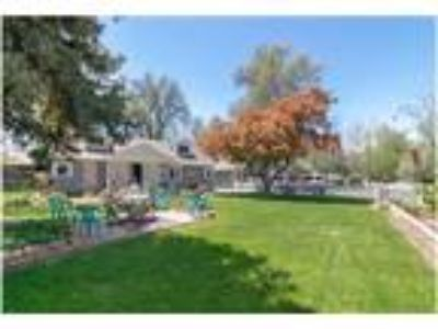 A Country Cottage in Arvada - 3 Blocks from Costco!