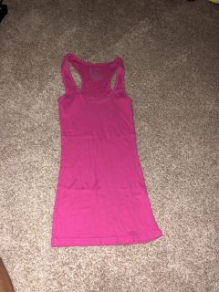 Women s size small pink tank top great condition ((MOVING SALE))
