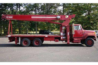 8930 - 1999 International 2574; Terex Crane Model Tc4792; 23.5 Ton