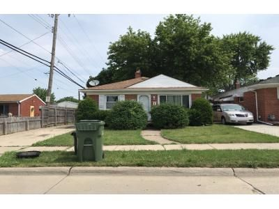1.0 Bath Foreclosure Property in Allen Park, MI 48101 - Euclid Ave