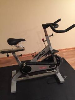 Stationary exercise bike fitness center bicycle trek cannondale schwin