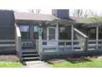 Poconos Townhome Rental Furn W 2 Masters Pets Ok Mls Pm 794