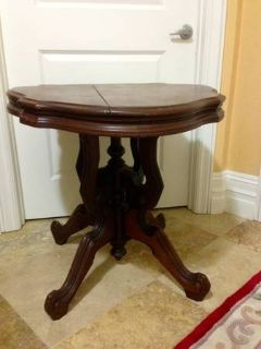 Antique Victorian Oval Table