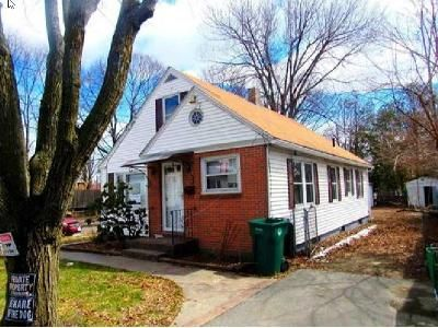 3 Bed 1 Bath Foreclosure Property in Fitchburg, MA 01420 - Bemis Rd