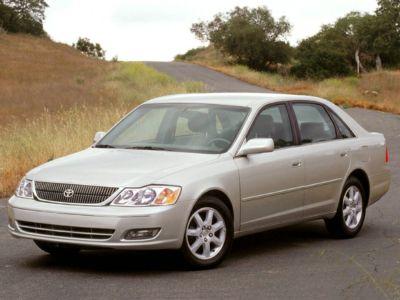 2002 Toyota Avalon XL (White Diamond Pearl)