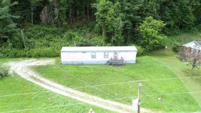 461 Edgewood Drive Barbourville Two BR, This property stretches