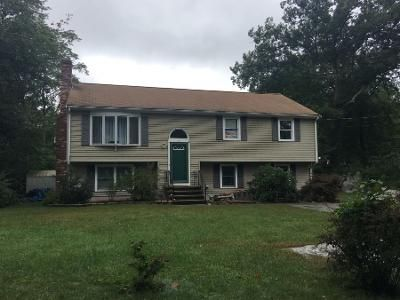 2 Bed 1 Bath Preforeclosure Property in Holbrook, MA 02343 - Cypress Rd