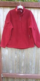 Duluth Trading Co men's size L brick red color polartec fleece jacket