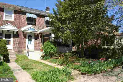 104 W Mowry St CHESTER Three BR, Well maintained Brick Twin in