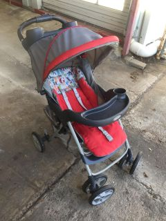 Graco Stroller, needs wiping down, 3 pounds max
