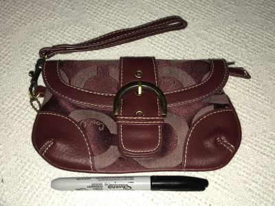 Authentic Coach Wristlet AWESOME condition